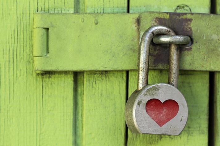 lock-1516242.jpg