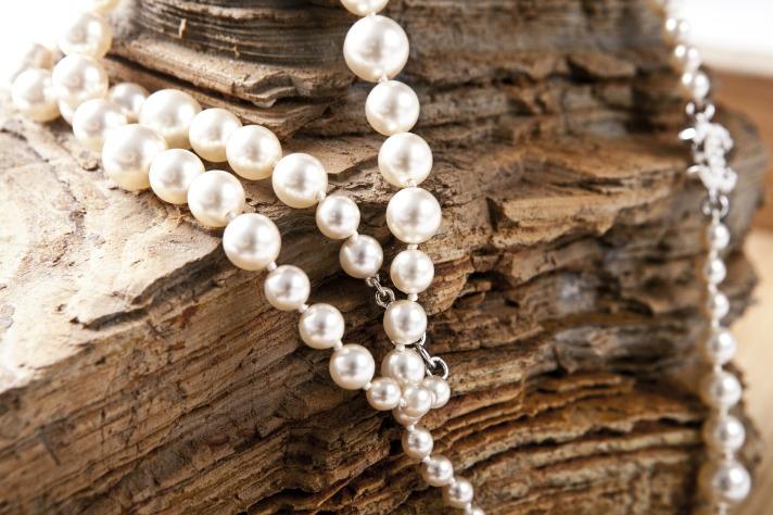 jewelry-420018_1920.jpg